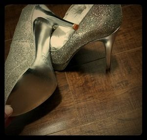 Mk silver heels